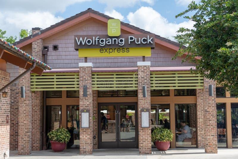 Immagine esteriore di una parte anteriore resturant del negozio di Wolfgang Puck Express fotografie stock libere da diritti