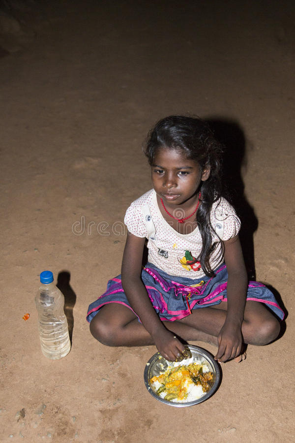 Immagine indicativa editoriale Bambino povero triste, India fotografie stock libere da diritti
