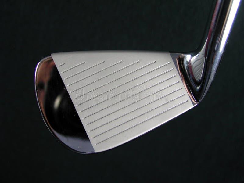 Immagine lucidata brillante pulita generica del primo piano della testa del ferro del club di golf fotografia stock libera da diritti