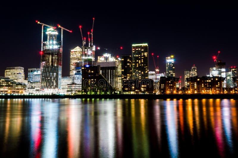 Immagine lunga di paesaggio urbano di esposizione fotografie stock