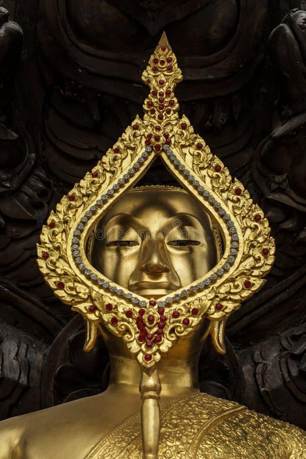 Immagine protetta dal naga dalla testa sette, u chiusa di Buddha fotografia stock