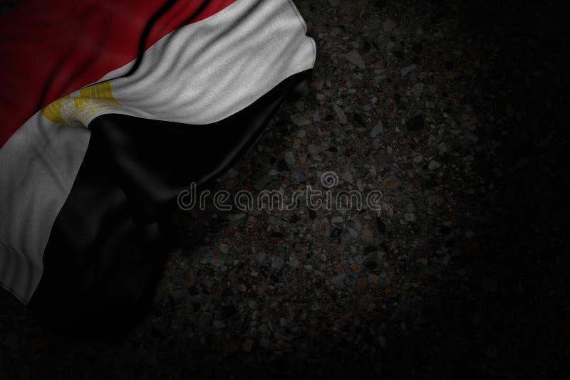 Immagine scura piacevole della bandiera dell'Egitto con i grandi popolare su asfalto scuro con spazio libero per il vostro testo  royalty illustrazione gratis