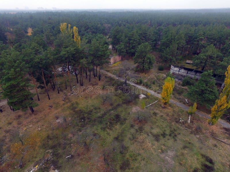 Immagine sovietica abbandonata e vandalizzata del fuco della base militare fotografia stock