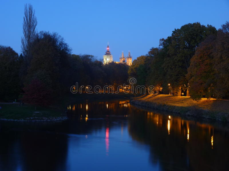 Immagine a tarda notte città, lové del ¡ di Hradec KrÃ, immagini stock libere da diritti