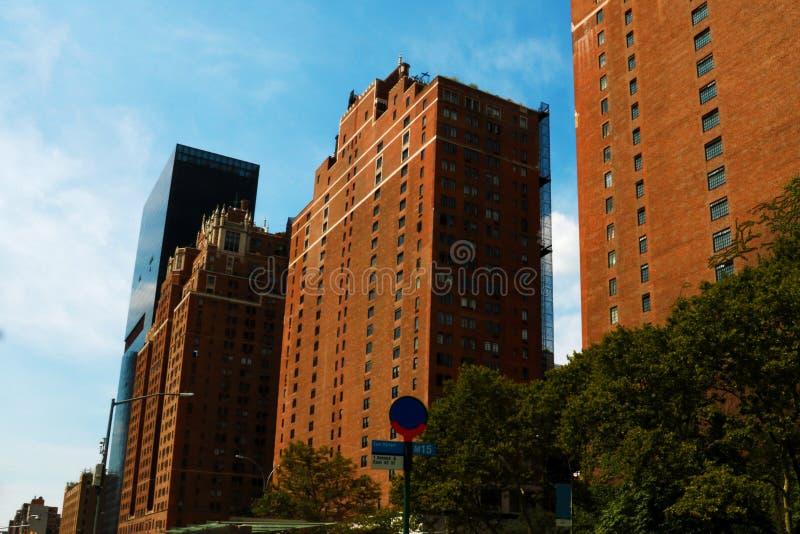 Immagine variopinta di HDR di una via tipica del Newyorkese può essere visto da Highline New York fotografie stock libere da diritti