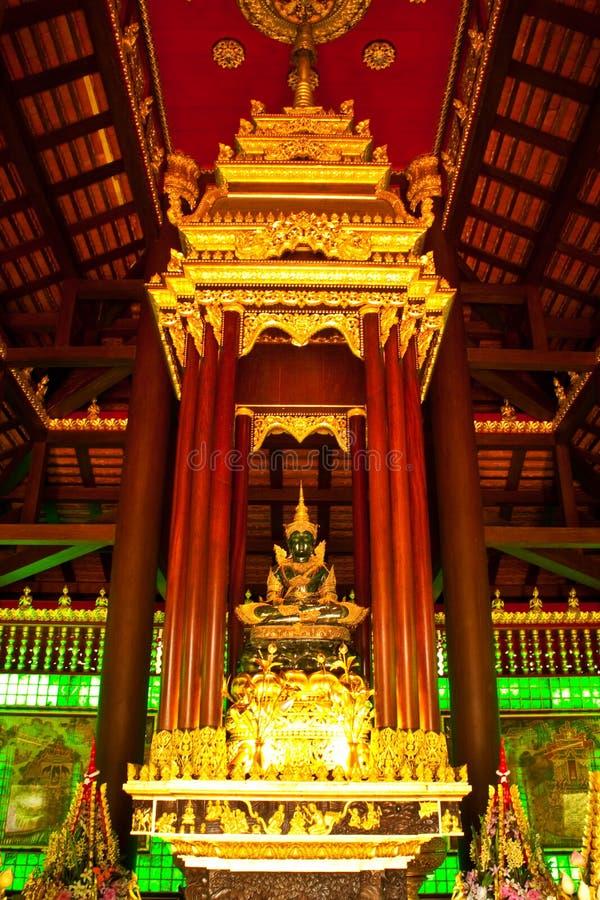 Immagine verde smeraldo del buddha fotografia stock