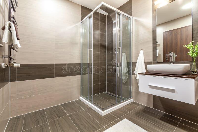 Immagini d'interni in un appartamento moderno immagini stock
