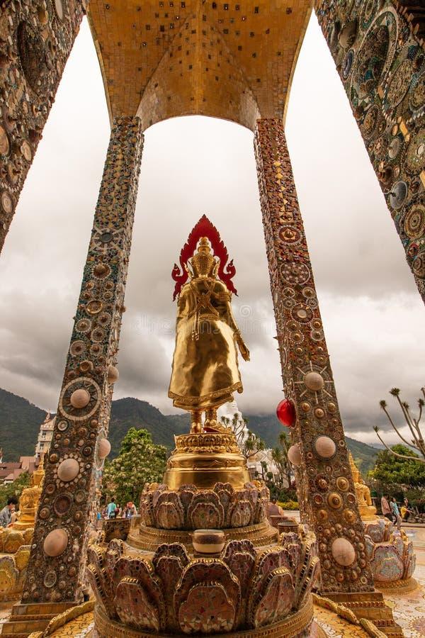 Immagini di Buddha nelle tempie della Tailandia immagine stock libera da diritti