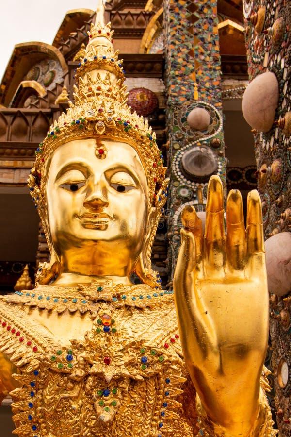 Immagini di Buddha nelle tempie della Tailandia immagini stock