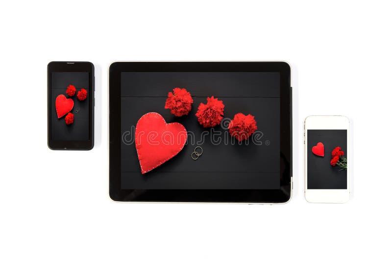 Immagini di San Valentino di concetto della compressa: Segni del Da del biglietto di S. Valentino immagini stock libere da diritti