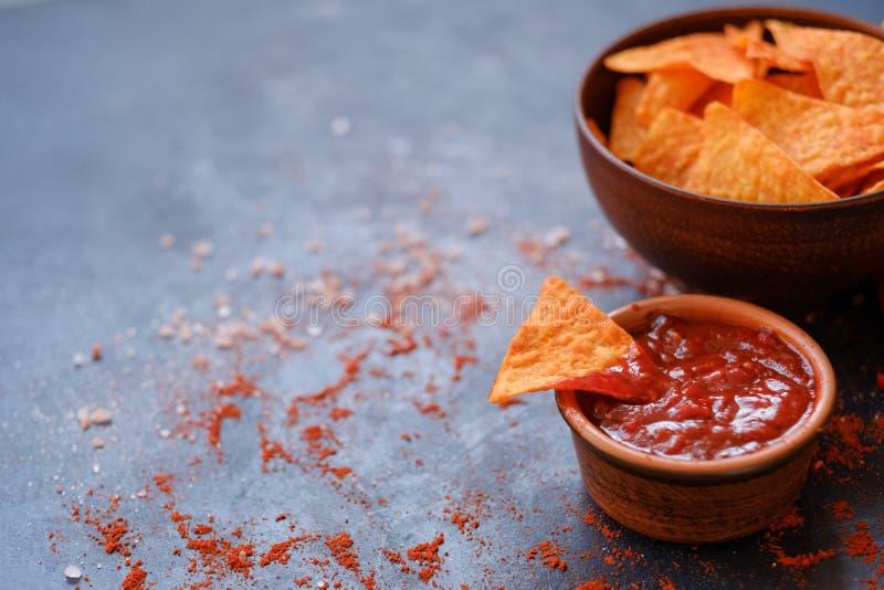Immersion de sauce à casse-croûte de nourriture de munchies de partie de frites de Nacho photo libre de droits