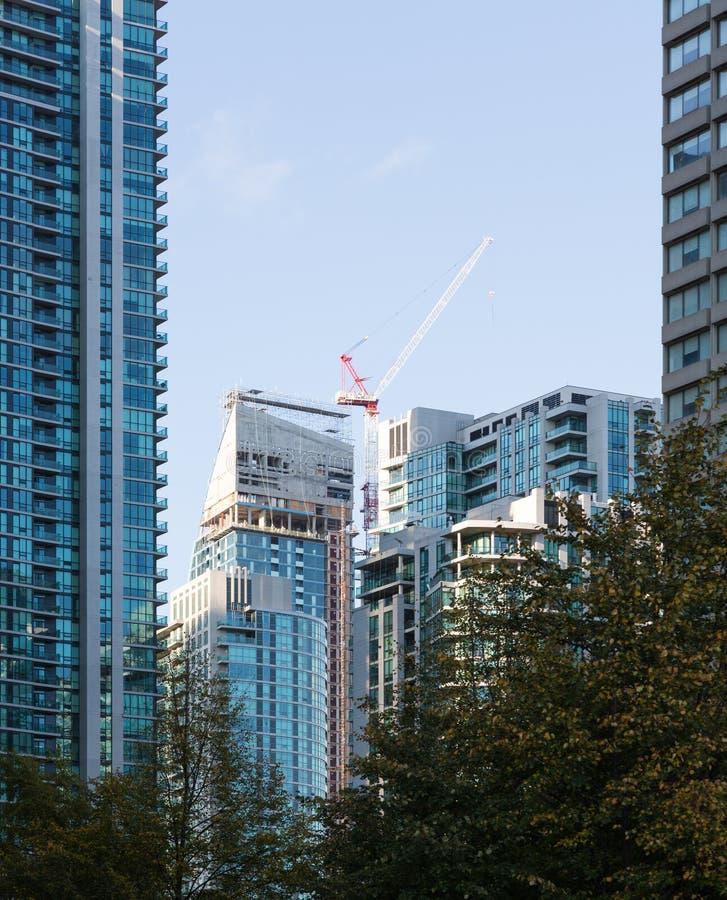 Immeuble ayant beaucoup d'étages moderne Toronto photos libres de droits