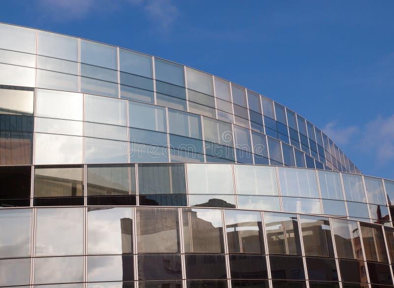 Immeuble de bureaux à Barcelone images libres de droits
