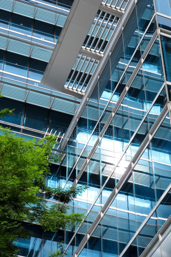 Immeuble de bureaux bleu photo stock