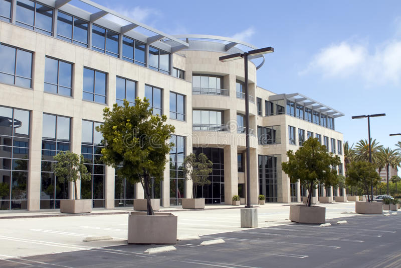 Immeuble de bureaux de corporation neuf en Californie images stock