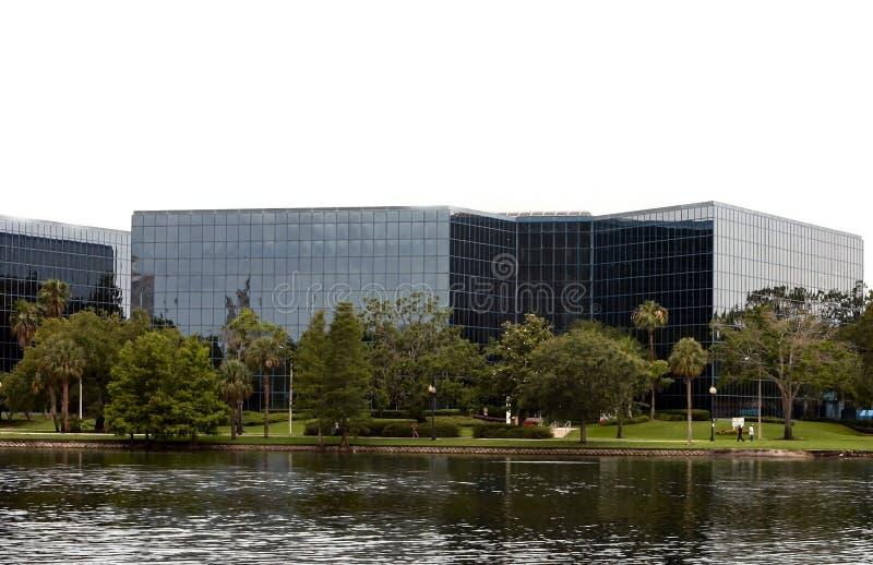 Immeuble de bureaux en verre du centre photo libre de droits