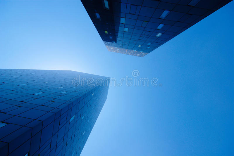 Immeuble de bureaux moderne images libres de droits