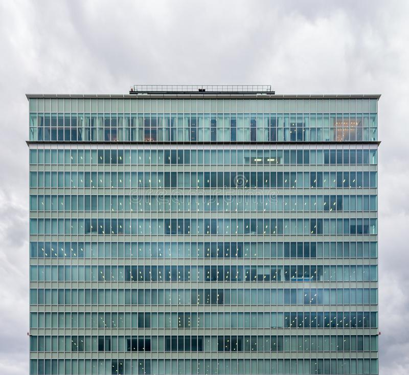 Immeuble de bureaux, Osaka, Japon image stock