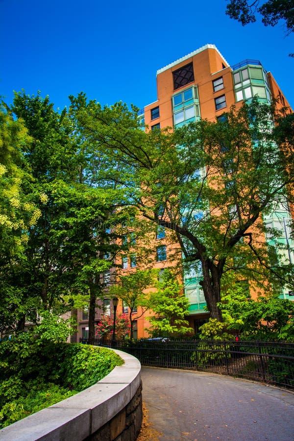 Immeuble de passage couvert et dans Brooklyn Heights, New York photo libre de droits