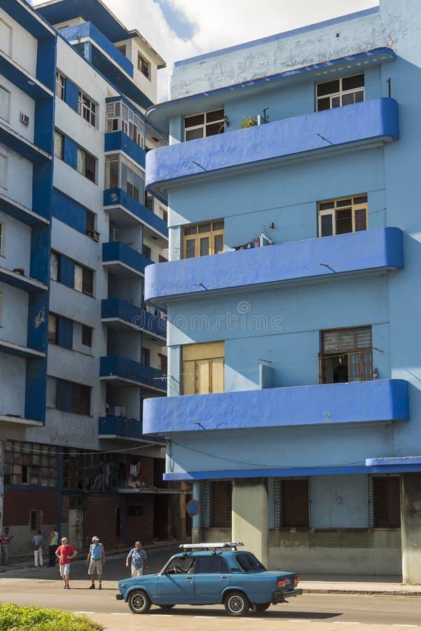 Immeuble functionalistic bleu La Havane photographie stock