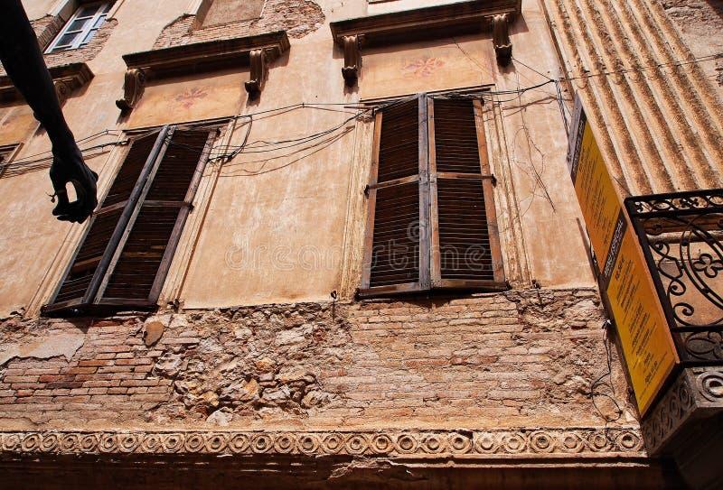 Immeuble historique de brique et de stuc, Figueres, Espagne photographie stock