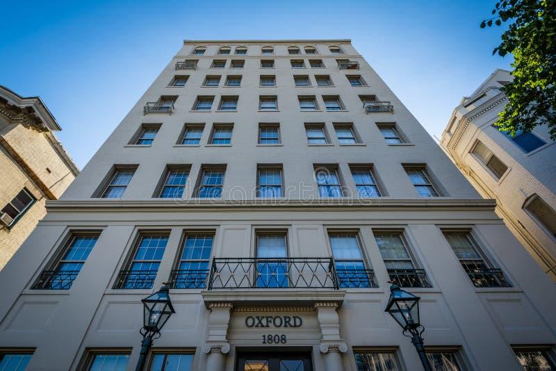Immeuble le long d'avenue du Connecticut, près de cercle de Dupont images libres de droits