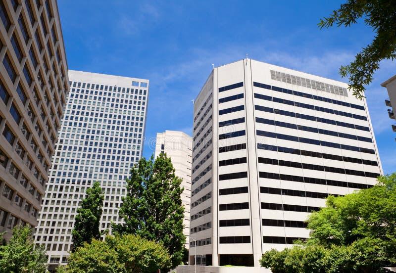 Immeubles de bureaux élevés Rossyln la Virginie Etats-Unis photos stock