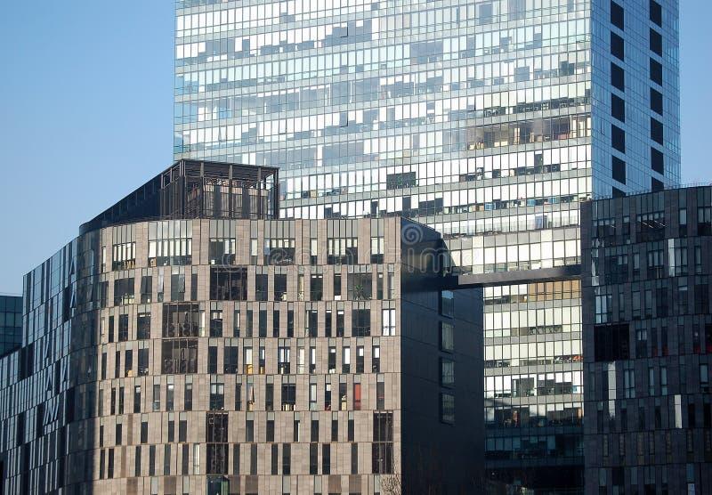 Immeubles de bureaux image libre de droits