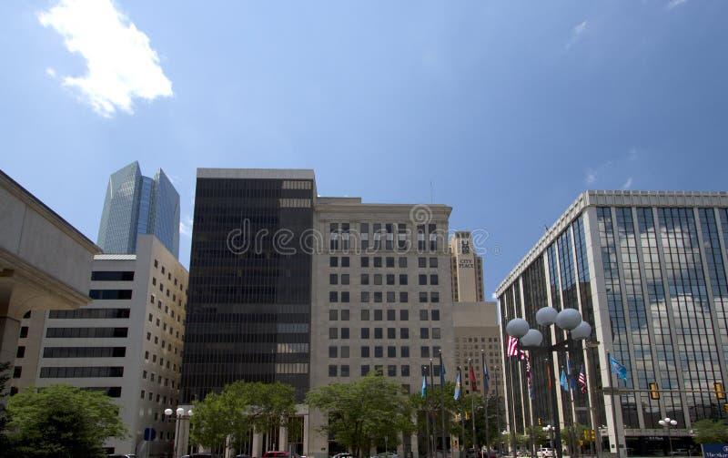 Immeubles de bureaux dans la ville moderne l'Oklahoma image libre de droits