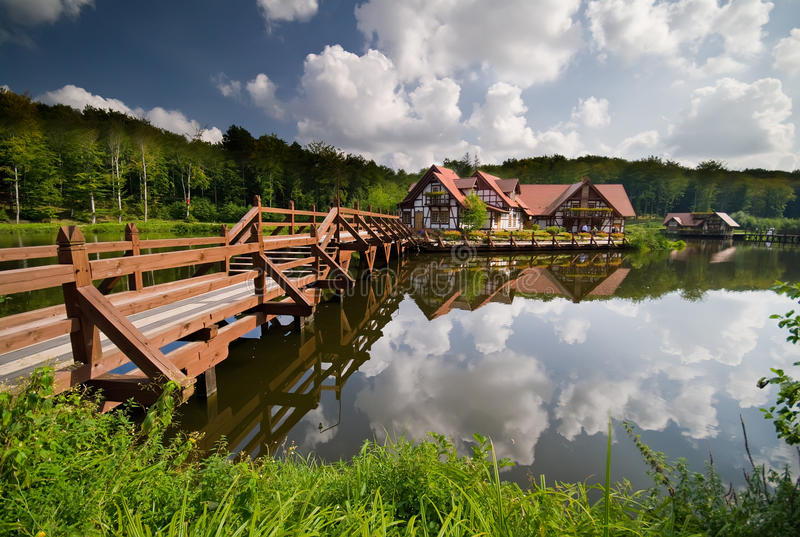 Immeubles sur l'eau photos libres de droits