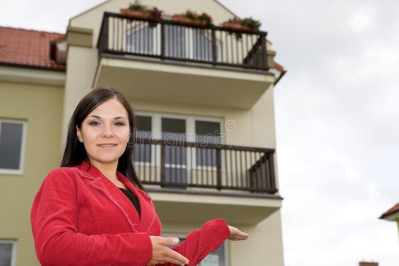 Immobilienmakler, der flach darstellt lizenzfreie stockfotos