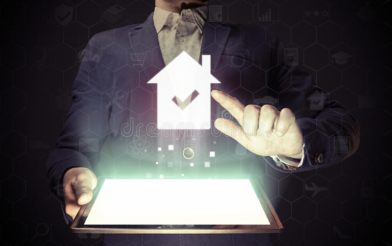 Immobiliers, achats en ligne, loyer photos stock