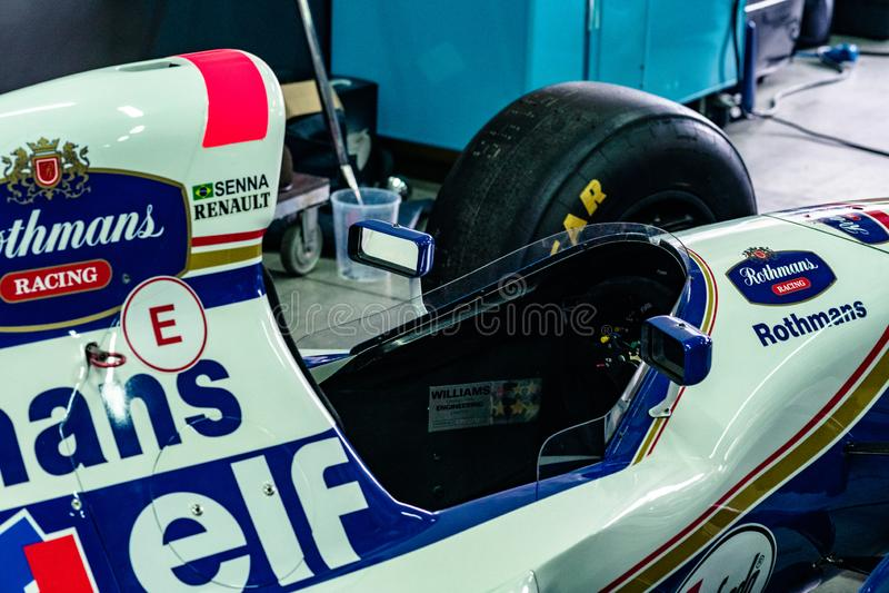 Imola, Italië 28 April 2019: Cockpit van Williams FW16 van Ayrton Senna in een doos royalty-vrije stock foto