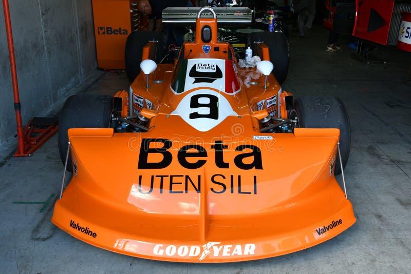 Imola, le 27 avril 2019 : D?tail de F1 historique mars-Cosworth 751 1976 Peterson ex - Brambilla dans la bo?te au jour historique photos stock