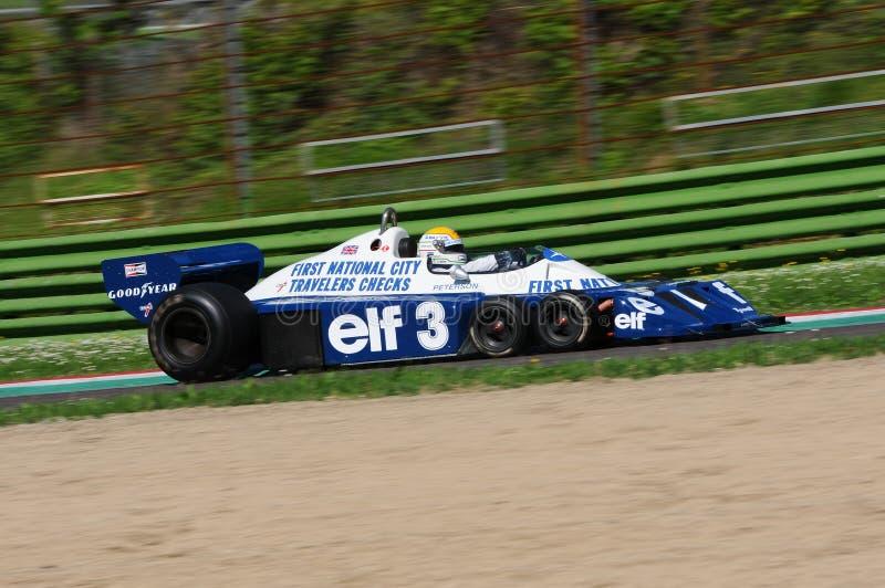 Imola, le 27 avril 2019 : 1976 F1 historiques Tyrrell P34 Ronnie Peterson ex conduit par Pierluigi Martini dans l'action image libre de droits