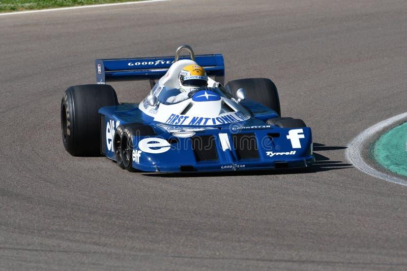 Imola, le 27 avril 2019 : 1976 F1 historiques Tyrrell P34 Ronnie Peterson ex conduit par Pierluigi Martini dans l'action photos libres de droits