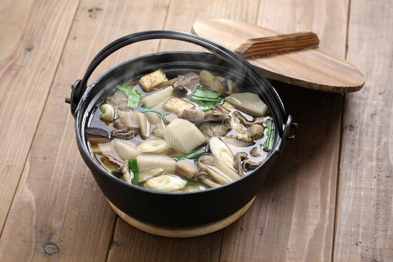 Imoni, ιαπωνικό μαγείρεμα hotpot στοκ φωτογραφίες