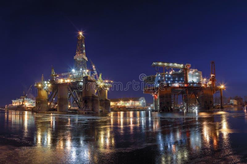 Império do petróleo fotos de stock