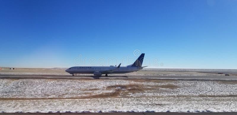 Impôt plat d'United Airlines pour le décollage image stock