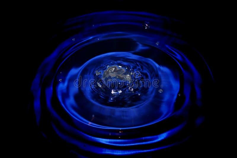 Impacto de la gota del agua imagenes de archivo