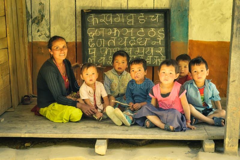 Imparando nel Nepal immagini stock libere da diritti
