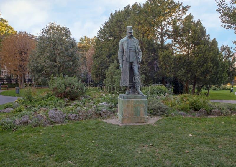 Imperatore bronzeo Francis Joseph della statua I dell'Austria, parco di Burggarten, Vienna fotografia stock libera da diritti