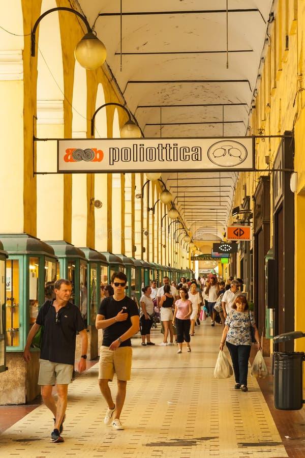 Imperia - plaza Dante Archway fotografía de archivo libre de regalías