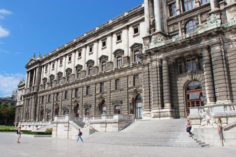 Imperialistisk slott - Wien - Österrike royaltyfria bilder
