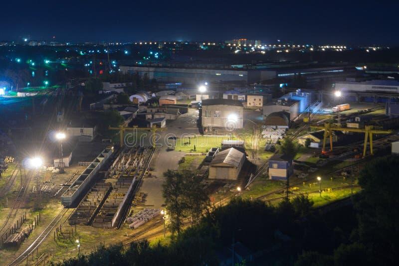 Impianti di trasporto alla notte fotografia stock libera da diritti