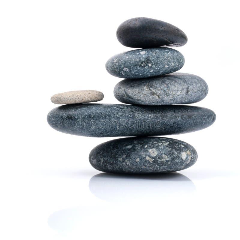 Impilati dello zen di scena del trattamento della stazione termale delle pietre gradiscono immagine stock libera da diritti