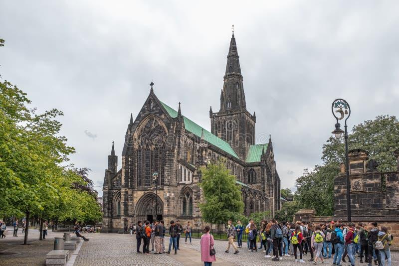 Imponująco Antyczna Glasgow architektura patrzeje do Glasgow katedry także znać jako St Mungo, obok Glasgow Królewskiej stacjonar zdjęcie royalty free