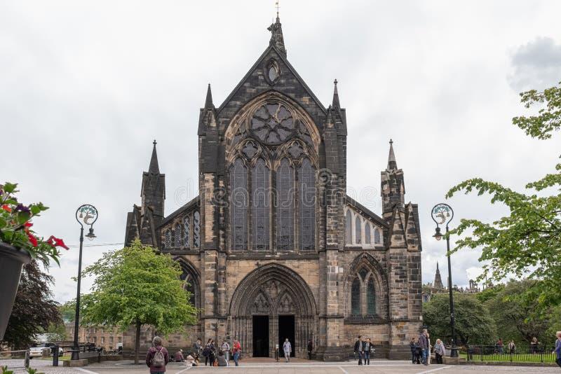 Imponująco Antyczna Glasgow architektura patrzeje do Glasgow katedry także znać jako St Mungo, obok Glasgow Królewskiej stacjonar obraz stock