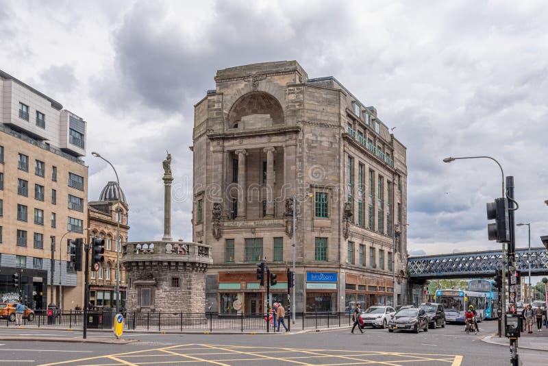 Imponująco architektura centrum miasta Glasgow i stary Tollbooth przy Mercat krzyżem naprzeciw Mercat budynków obraz royalty free