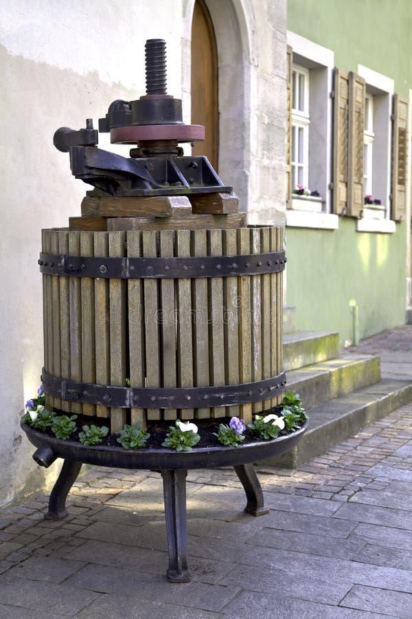 Imprensa da uva em Meersburg fotos de stock royalty free